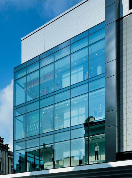 glass marvels brussels the glass blog. Black Bedroom Furniture Sets. Home Design Ideas